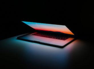 MacBook z dotykową klawiaturą?