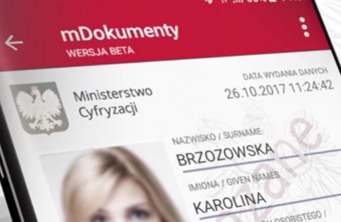 Nazwisko rodowe nie takie ważne w e-dowodzie?