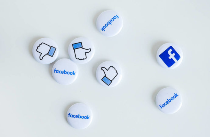 Koniec ery lajków na Facebooku