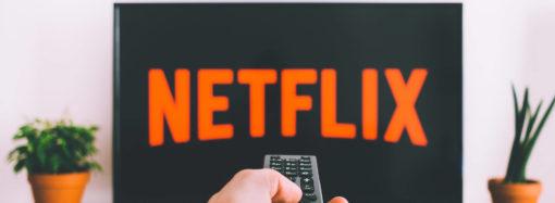 Siedzisz w domu i oglądasz Netflixa? Ta ciekawostka może ci ułatwić znajdowanie ciekawych produkcji