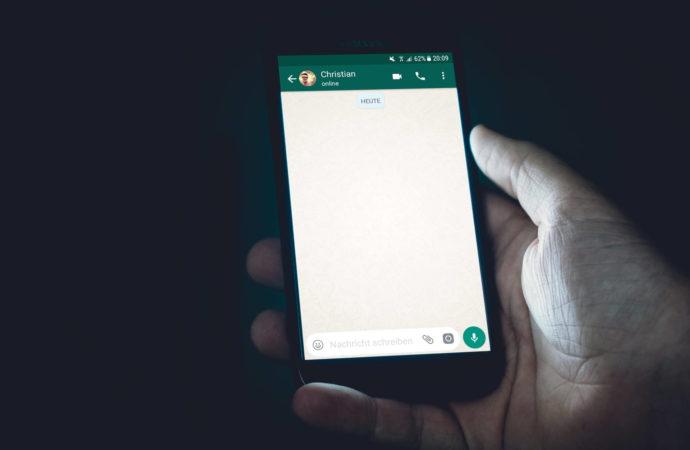 Kontakty do WhatsApp dodasz za pomocą QR kodu