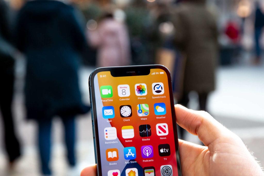 5G oraz nowe iPhone będą napędzać dostawy smartfonów w Q1 2021