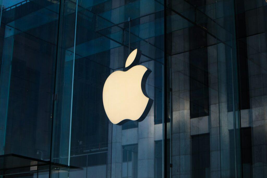 Apple będzie walczyć z pedofilią przez kontrolowanie galerii zdjęć każdego użytkownika
