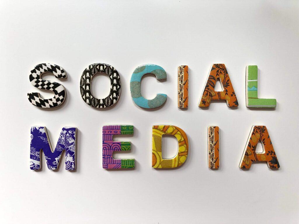 halloapp social media bez reklam